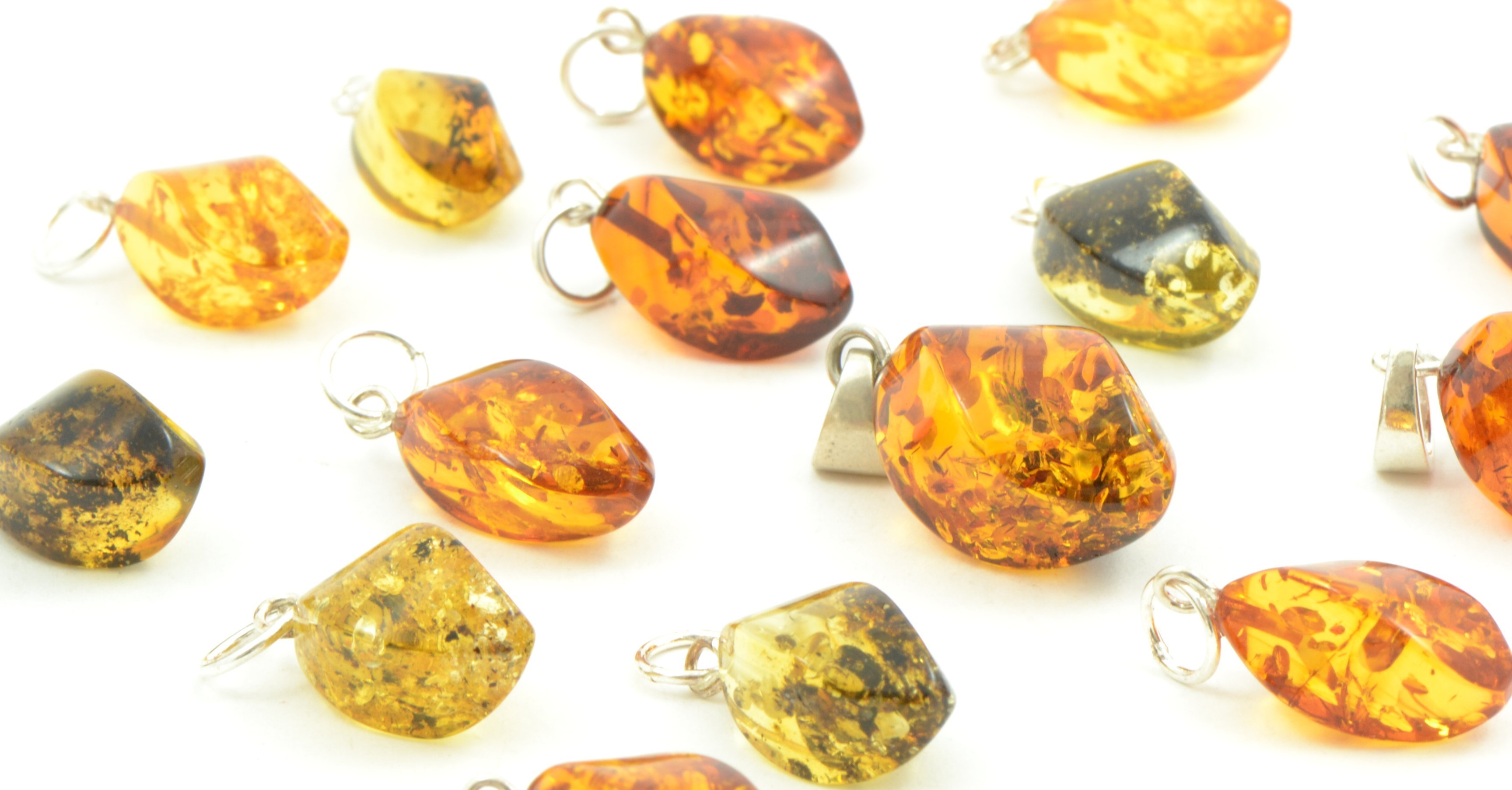amber-pendants